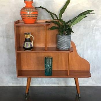 1950s Retro Vintage Atomic Bookshelf