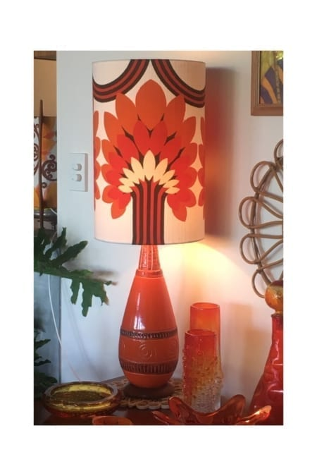 Retro Vintage Ceramic Lampbase & Lampshade light on